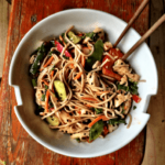 Piletina i povrće sa integralnim nudlama - Recepti i Kuvar online
